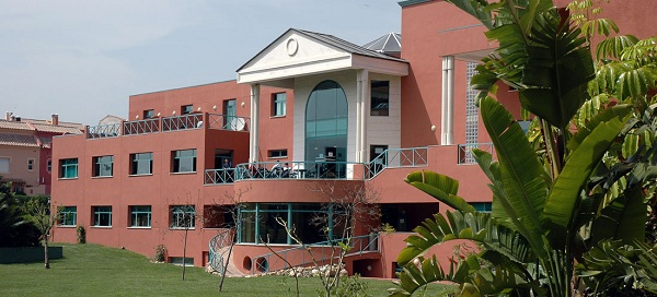 Стоимость обучения в Les Roches International School of Hotel Management, Marbella (Испания)